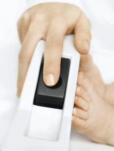 1289929888416 finger on button rgb600h 227x300 - SECA 416 Infantometr do mierzenia niemowląt i małych dzieci
